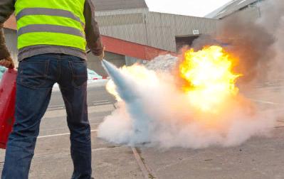Меры безопасности при использовании огнетушителей