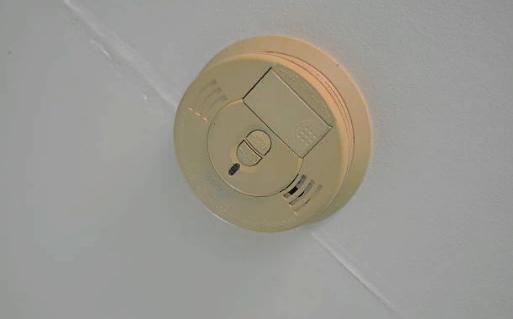 Датчик пожарной сигнализации в квартире